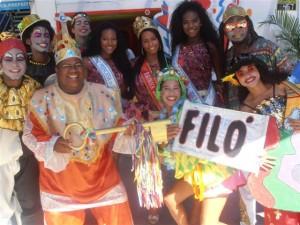 O grupo de teatro Filó fez a recepção da chegada do Rei,Rainha e princesas no camarote do Governador no Campo Grande