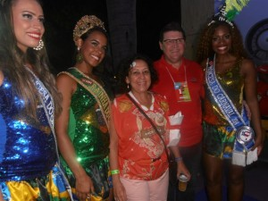 Com a senadora Lídice da mata e o presidente da BAHIATURSA no camarote do Governador no Campo Grande
