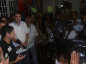 Rainhas com o prefeito ACM Neto inaugurando a sala de imprensa Regina Coeli