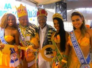 Eterno Rei Momo do Pelô,Clarindo Silva mais uma vez recebeu a corte com sua costumeira gentileza...