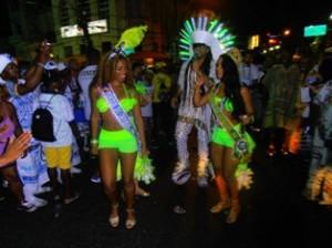 Dançando na avenida com Carlinhos Brown.