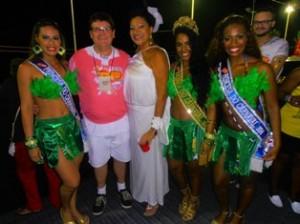 No último dia de Carnaval, Rainha e Princesas receberam o carinho de Fernando Ferrero, Presidente da BAHIATURSA e Marta Góes no seu camarote.